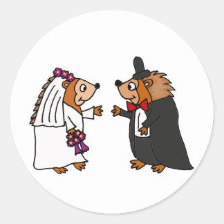 Lustige Braut-und Bräutigam-Igels-Hochzeits-Kunst Runder Aufkleber