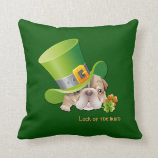 Lustige Bulldogge. St Patrick Tagesgeschenk-Kissen Kissen