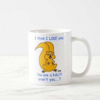 Lustige Cartoon-Eichhörnchen-Liebe-Tasse