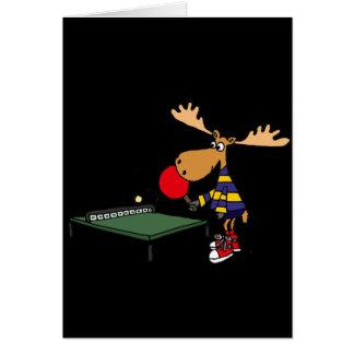 Lustige Elche, die Tischtennis-Cartoon spielen Karte