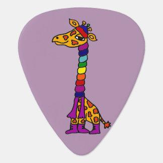 Lustige Giraffe, die bunten Schal-Cartoon trägt Plektrum