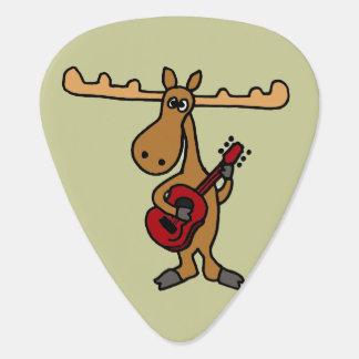 Lustige Gitarre, die Elch-Plektrum spielt Gitarren-Pick
