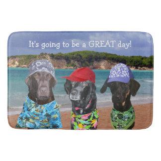 Lustige Hunde auf der Strand-Bad-Matte Badematte