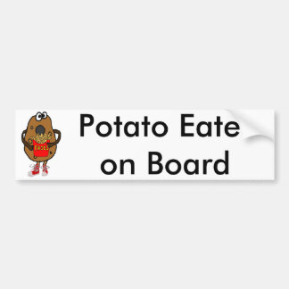 Lustige Kartoffel, die Pommes-FritesCartoon isst Autoaufkleber