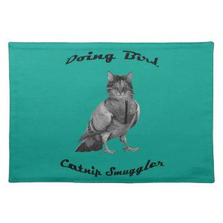 lustige Katze, die Vogel tut Tischset