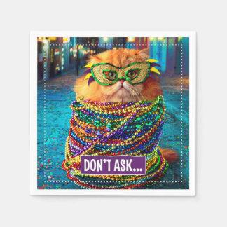 Lustige Katze mit bunten Perlen am Karneval Papierserviette