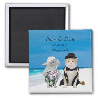 Lustige Katzen-Strand-Hochzeit Save the Date Quadratischer Magnet