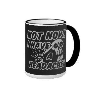 Lustige Kopfschmerzen-Schädel-Tassen Ringer Tasse