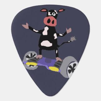 Lustige Kuh auf Hoverboard Kunst Plektron