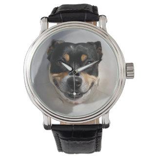 Lustige lächelnde Hundeuhr Armbanduhr