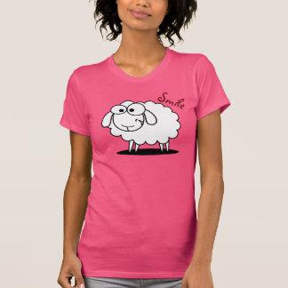 Lustige lächelnde Schafe T-Shirt