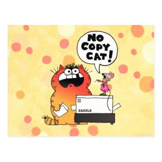 Lustige lustige Maus und Katze der Cartoon-Maus| Postkarte