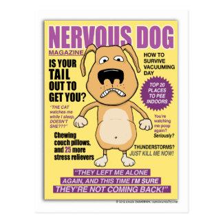 Lustige nervöse Hundezeitschriftpostkarte Postkarte