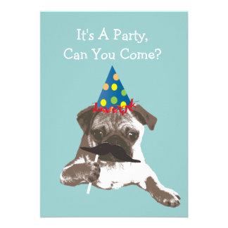 Lustige Schnurrbart-Mops-Geburtstags-Party Ankündigungen