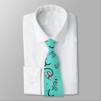 Lustige Stethoskope für Doktoren auf Türkis Krawatte
