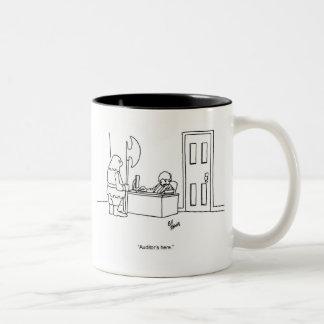 Lustige Steuer-TagesSpaß-Geschäfts-Tasse Zweifarbige Tasse