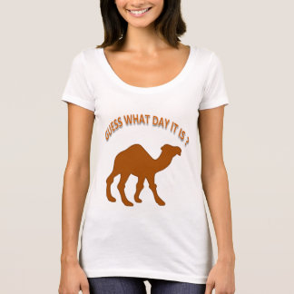 Lustige und coole Vermutung, welcher Tag es ist? T-Shirt