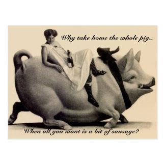 Lustige Vintage Postkartendame, die ein Schwein Postkarte