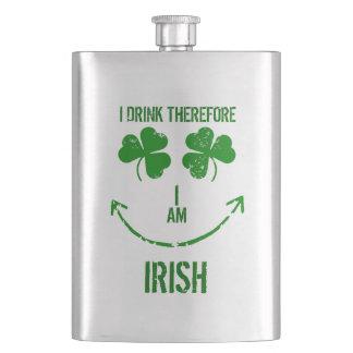 Lustigen St Patrick Tag trinke ich deshalb Spaß Flachmann