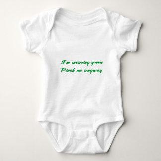 Lustigen St Patrick TagesT-Shirts u. -geschenke: Baby Strampler
