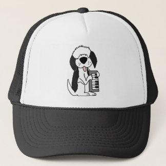 Lustiger alter englischer Schäferhund, der Truckerkappe