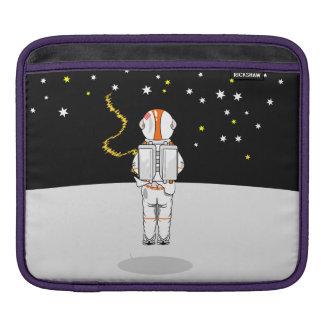 Lustiger Astronaut Weeing an der Schwerelosigkeit Sleeves Für iPads