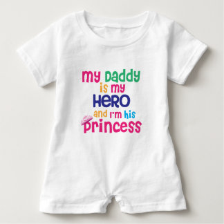 Lustiger Babyzitat Heldvati und Prinzessintochter Baby Strampler
