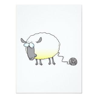 lustiger Ball des Garn geklonten Schaf-Cartoon Ankündigungskarte