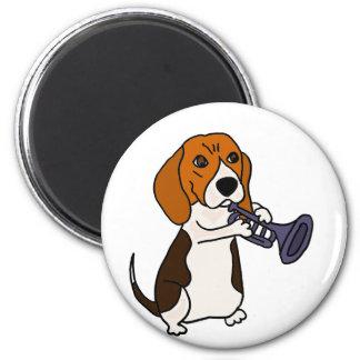 Lustiger Beagle-Hund, der Trompete spielt Runder Magnet 5,7 Cm