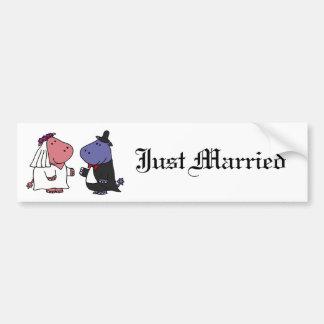 Lustiger Braut-und Bräutigam-Hochzeits-Cartoon Autoaufkleber