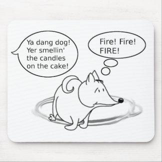 Lustiger Cartoon-Hundegeburtstag Mauspad