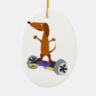 Lustiger Dackel-Hund auf Hoverboard Keramik Ornament