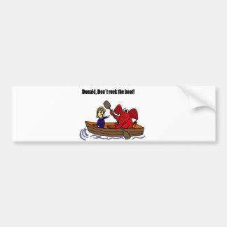Lustiger Donald Trump, der den Boots-Cartoon Autoaufkleber
