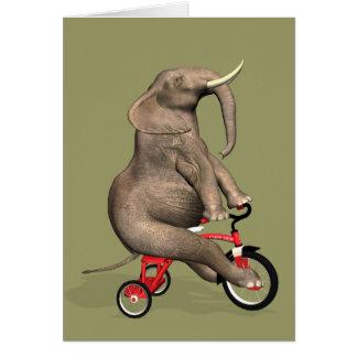 Lustiger Elefant, der ein Dreirad reitet Grußkarte