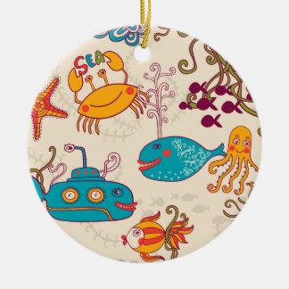 Lustiger Fisch-Cartoon unter Wassermeer Rundes Keramik Ornament