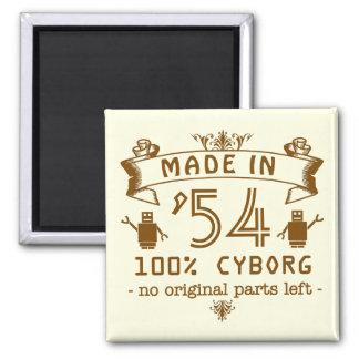 Lustiger GeburtstagCyborg mit kundengerechtem Jahr Quadratischer Magnet