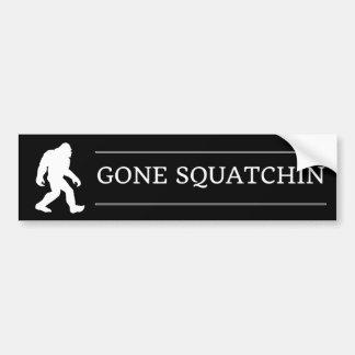 Lustiger großer Fuß gegangenes Squatchin Sasquatch Autoaufkleber