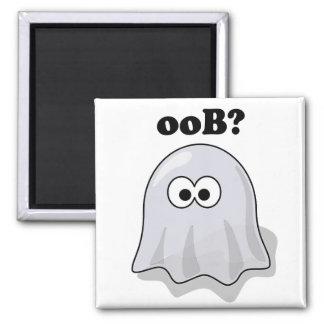 Lustiger Halloween-Geist sagt Boo rückwärts Quadratischer Magnet