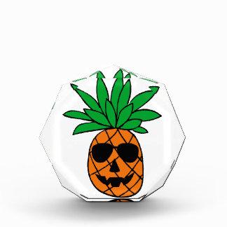 Lustiger Halloween-Kürbis-Ananas-Charakter Acryl Auszeichnung