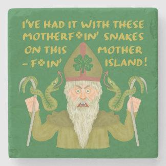 Lustiger Heiligen Patrick Tag schlängelt sich Steinuntersetzer