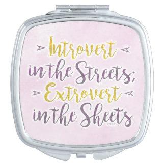 Lustiger Introvert StraßenExtrovert bedeckt Spaß Taschenspiegel