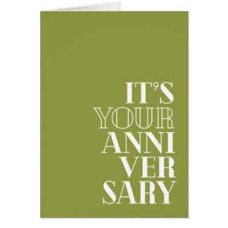 "Lustiger Jahrestag, ""Glückwünsche?""   Serifart Grußkarte"