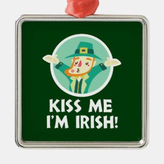Lustiger Kobold küssen mich, den ich irischer Quadratisches Silberfarbenes Ornament