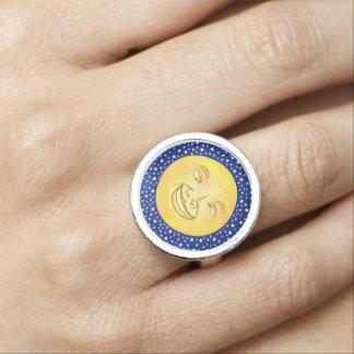 Lustiger Mond-Mann-Weltraum Vintag Ring