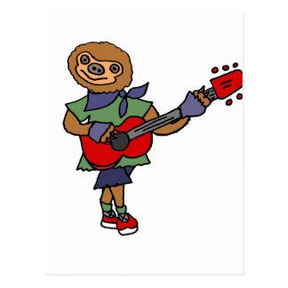 Lustiger niedlicher Sloth, der Gitarre spielt Postkarte