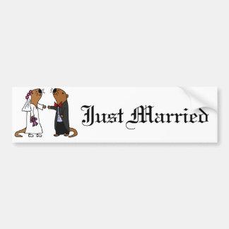 Lustiger Otter-Hochzeits-Cartoon Autoaufkleber