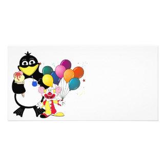 Lustiger Penguin- u. Clown-Cartoon Foto Grußkarte