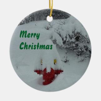 Lustiger schneebedeckter Hydrant Keramik Ornament
