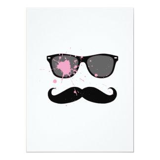 Lustiger Schnurrbart und Sonnenbrille Einladungskarten