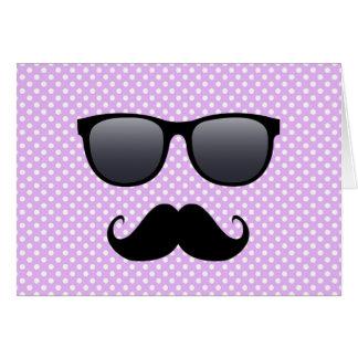 Lustiger schwarzer Schnurrbart und Gläser Mitteilungskarte